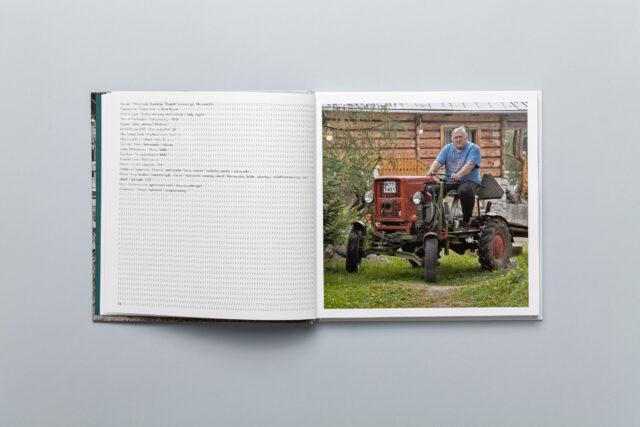 Rozkładówka z albumu Maszyny Łukasza Skąpskiego