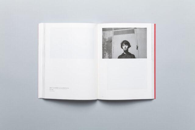 Rozkładówka książki Marek Piasecki – Do wnętrza. Fotografie z lat 1954-1967