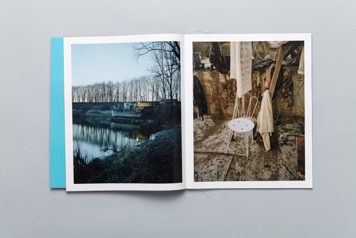 Spread from Miejsca odległe - Distant Place