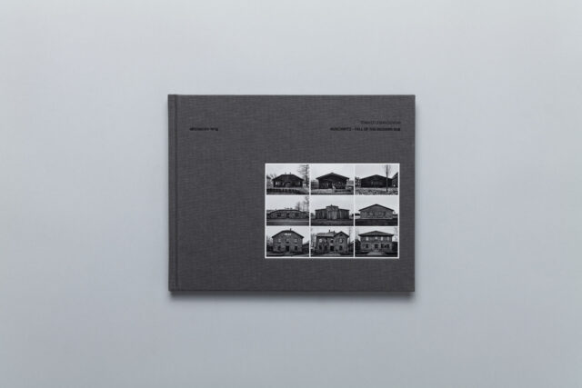 Okładka photobooka Auschwitz – Fall of The Modern Age